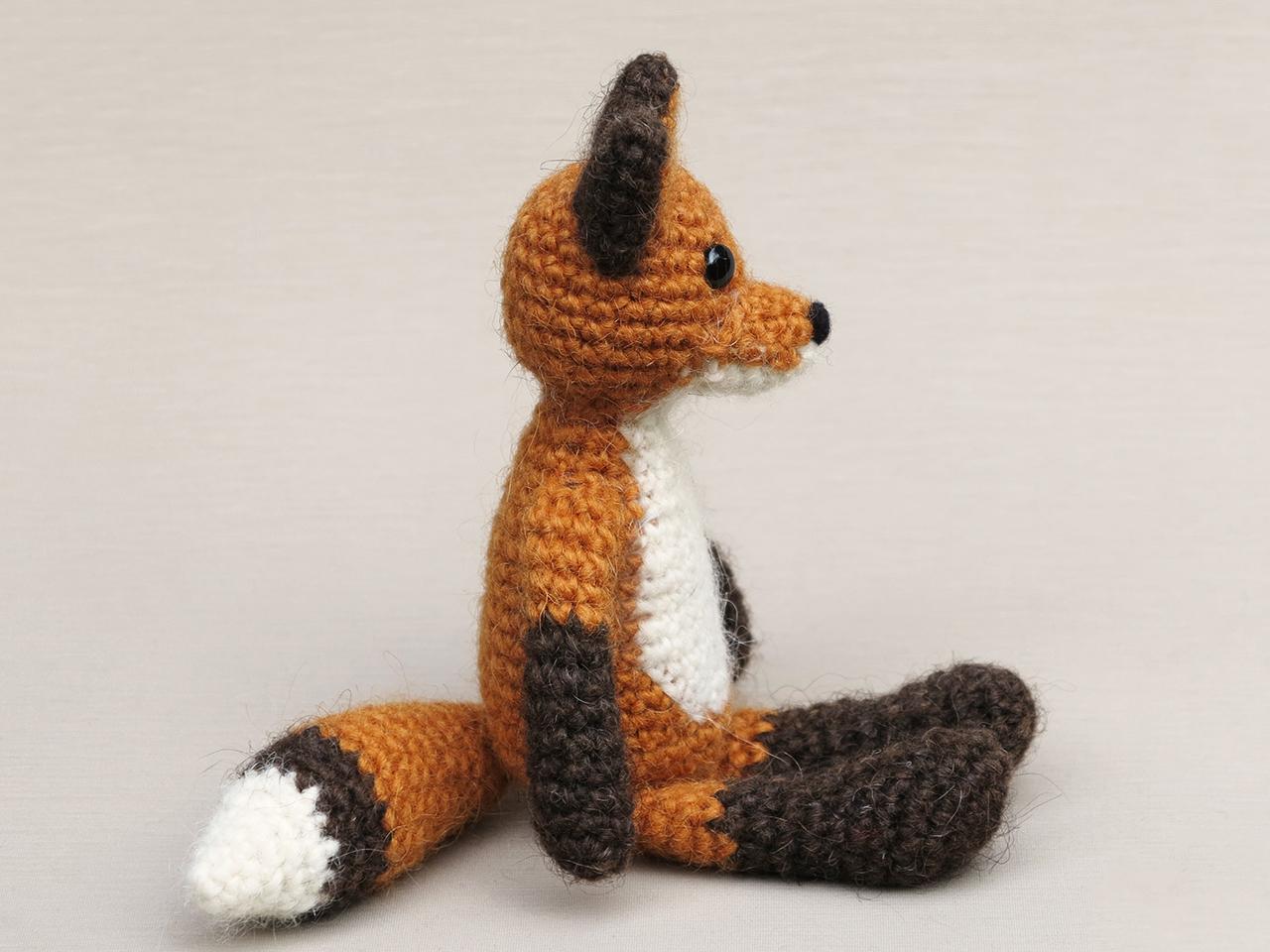 Mr. Fox crochet pattern (free) | Crocheted fox pattern, Crochet phone  cases, Crochet fox | 960x1280