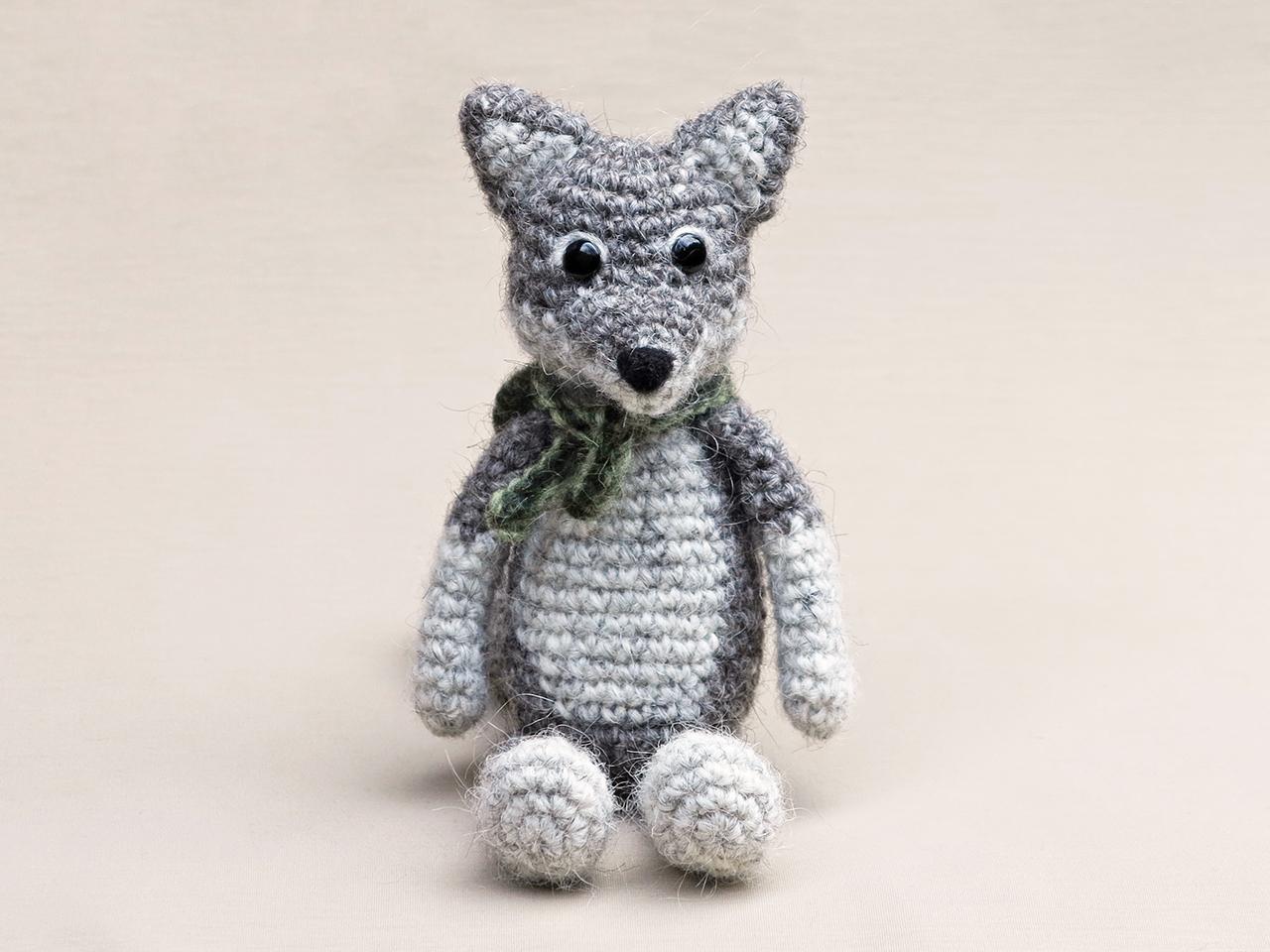 Amigurumi Wolf Crochet Pattern, cute stuffed animal, digital ... | 960x1280