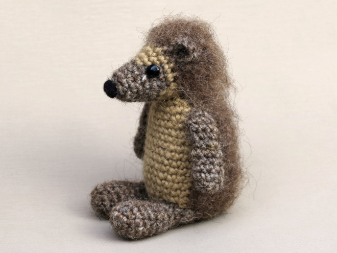 Crochet hedgehog pattern, amigurumi hedgehog, haakpatroon egel