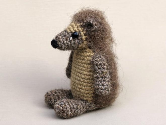 Crochet hedgehog pattern, amigurumi hedgehog, haakpatroon egel