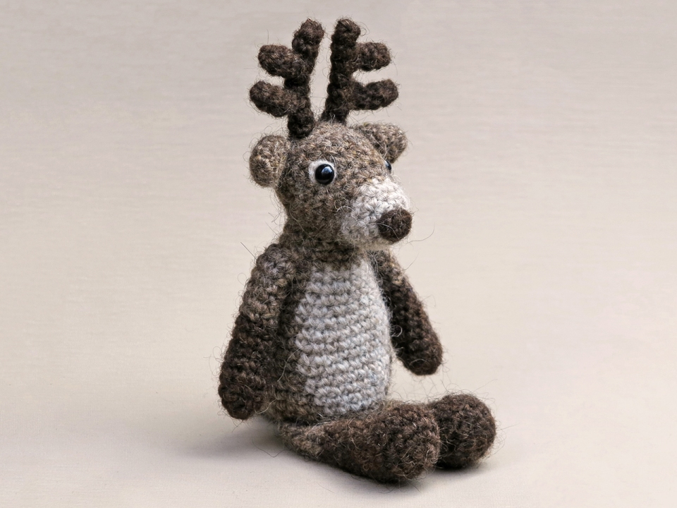 Rudy, the reindeer – Tales of Twisted Fibers | 720x960