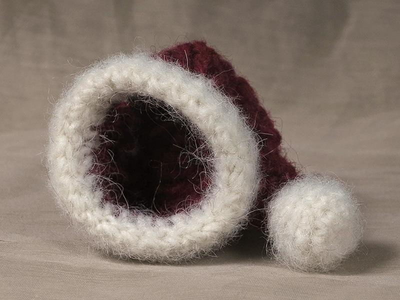 Free mini Santa hat pattern | Son\'s Popkes