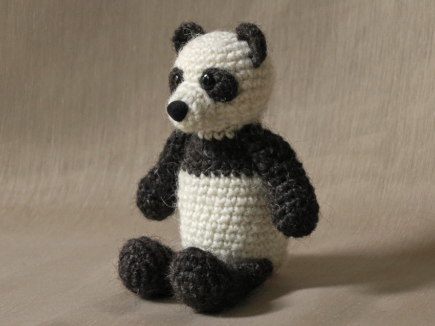 Crochet bear and panda pattern | Amiguroom Toys | 637x850