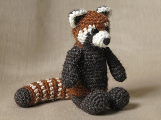 red panda amigurumi, crochet red panda