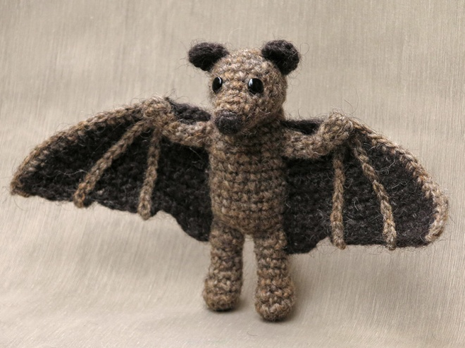 bat crochet pattern, flying fox, fruit bat amigurumi