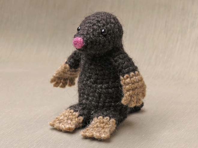 mole amigurumi, crochet mole pattern