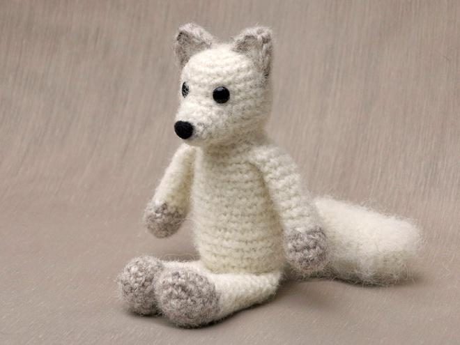 crochet arctic fox pattern, amigurumi