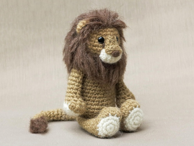 Lion amigurumi crochet pattern