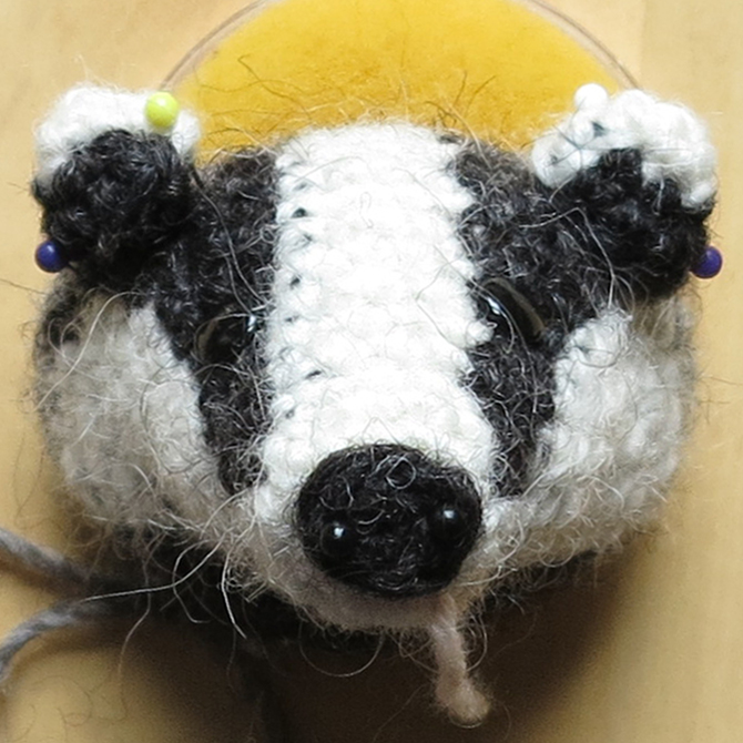 A Crochet Badger and a Crochet Star Walk Into an Amigurumi Bar ... | 670x670