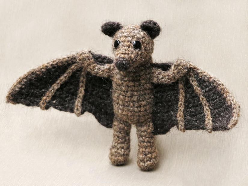 bat crochet pattern, flying fox, fruit bat amigurumi