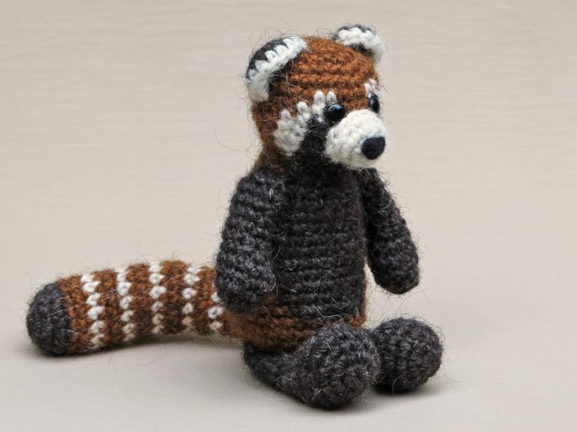 red panda amigurumi, crochet red panda