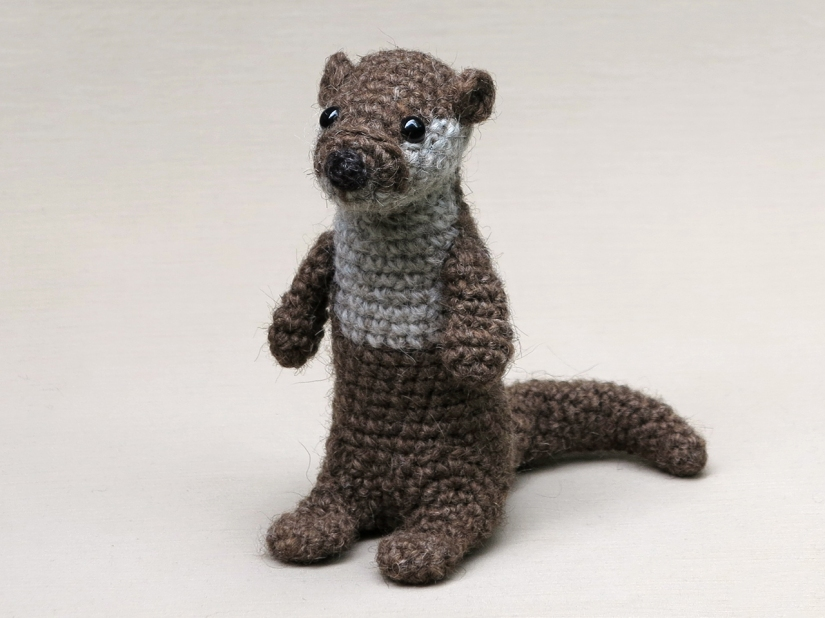 realistic crochet otter pattern