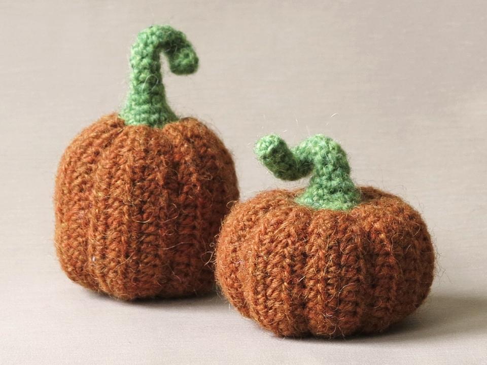 realistic crochet pumpkins