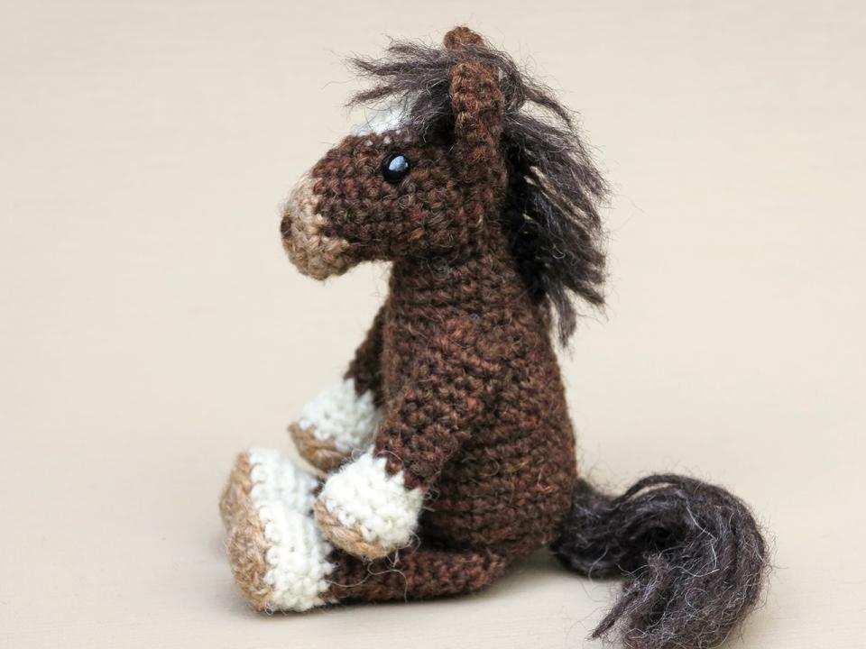 amigurumi pony horse