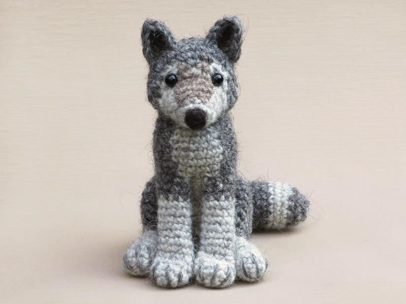 Realistic crochet wolf