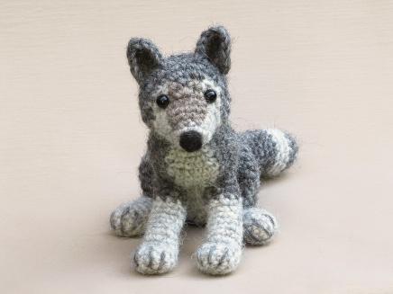realistic crochet wolf amigurumi pattern