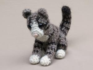 Crochet kitten pattern